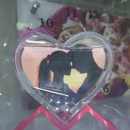 Рамка водяная в форме сердца на подставке