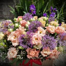Коробка з квітами .
