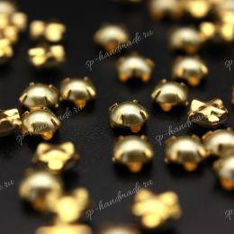Полужемчужины Preciosa LIGHT GREEN / оправа золото / 4 мм 15 шт (Чехия)
