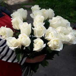 Букет із 25 шт. білих троянд