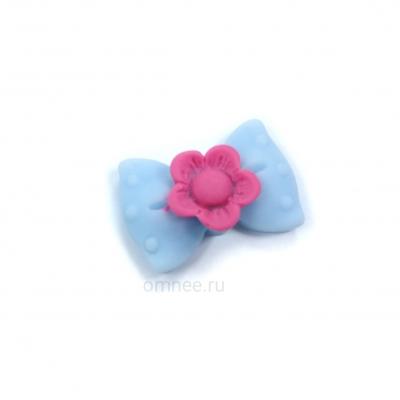 """Кабошон (серединка) """"бант с цветочком"""", акрил, 23х16мм, цв.: голубой"""